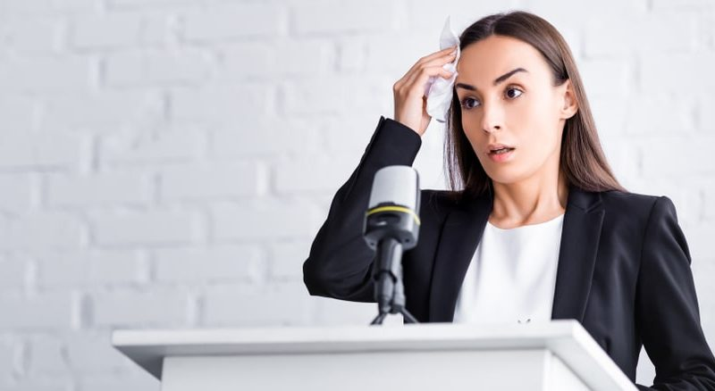 5 Useful Tips to Overcome Your Fear of Public Speaking
